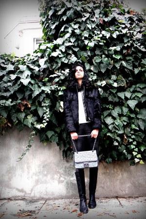fur coat coat - Mango sweater - Mango leggings - Axel bag