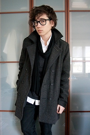 Ray Ban glasses - H&M shirt - filatures du lion sweater - selfmade scarf - Cheap