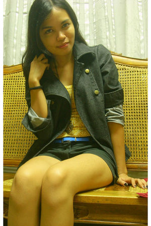 black jacket - yellow top - black People are People shorts - blue YRYS belt - be