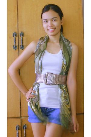 green random buy from China scarf - beige Get Laud top - blue Street Jeans short