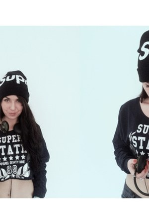 Supreme hat - Secondhand blouse