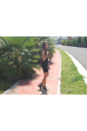 black lace pull&bear dress