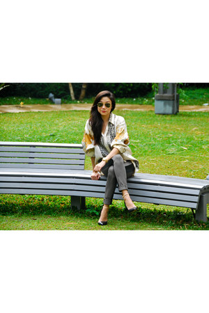 vintage top - Zara shoes - ray-ban sunglasses - Michael Kors watch - g2000 pants