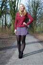Black-velvet-h-m-shoes-burgundy-lace-bershka-sweater-flower-button-h-m-skirt