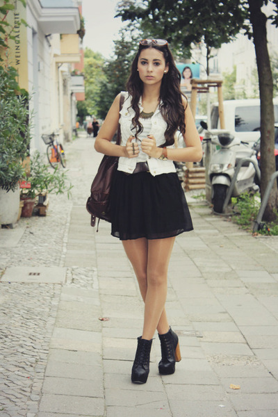 black skirt Stradivarius skirt - backpack Claires bag - tank top h&m divided top