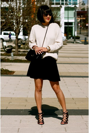 black Chanel bag - beige Gap sweater - black Club Monaco skirt