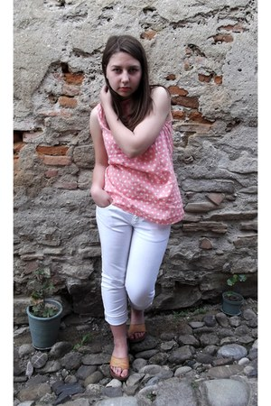 light pink shirt - white jeans - bronze sandals