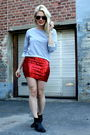 Red-vintage-skirt-gray-jc-shirt