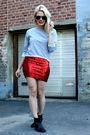Red-vintage-skirt-gray-jc-shirt