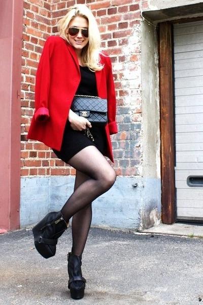 red 2ndhand blazer - black acne shoes - black vintage dress - black Chanel bag