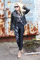 black AmericanApparel pants - camel Sportsgirl boots