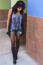 black wedge Qupid boots - blue cut off Hot Topic shorts - oversized tank Casualt