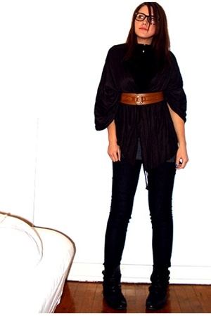 H&M shirt - pieces - Kvickly scarf - H&M belt - Only top - Bilka shoes