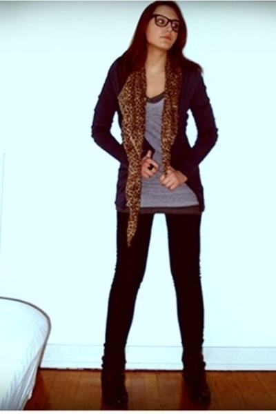 H&M t-shirt - H&M - pieces - Bilka shoes - Ebay glasses - Ebay scarf