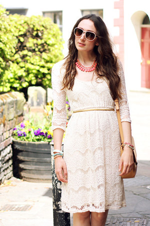 coral Forever 21 necklace - lace cream River Island dress - nude Zara bag
