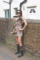Dolce & Gabbana boots - Tods bag - rayban sunglasses - D&G romper