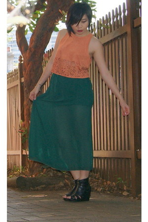 green Nu & Nan skirt - light orange Mink Pink top - black Nu & Nan wedges