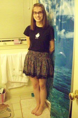 black twilightteez shirt - black Forever 21 skirt