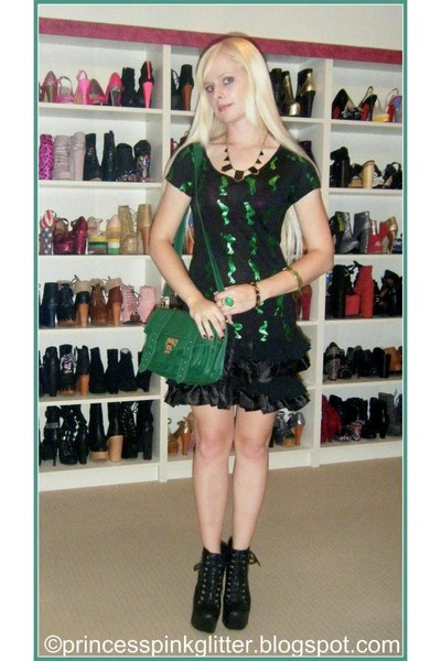 black lita Jeffrey Campbell boots - green bag - green alice mccall top
