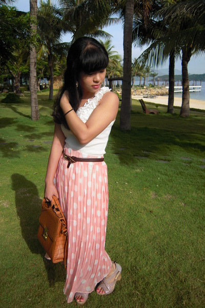bronze bag - white top - peach skirt