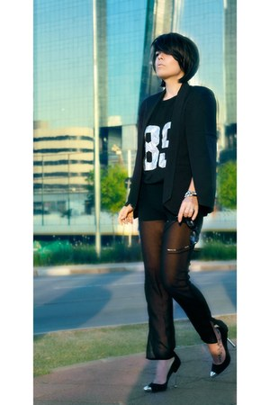 black blazer - black pants - black t-shirt