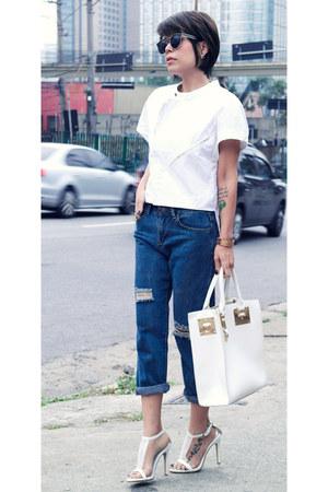 white Top shirt - navy Boyfriend jeans jeans - white white bag bag