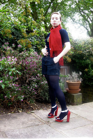red Prada shoes - blue Dex jeans - blue vintage shirt - red Enrico Coveri scarf