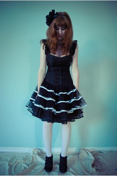 black Forever 21 accessories - black Macys top - black skirt - black skirt - whi
