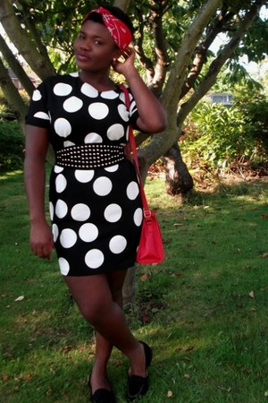 black polka dot asos dress