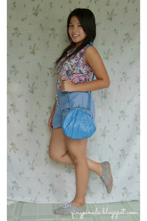 light blue floral thrifted blouse - sky blue scallop Oasis bag