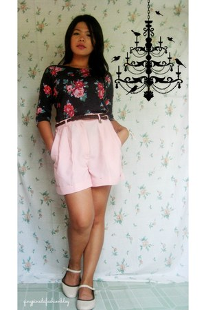 brown flats - salmon shorts - light pink floral print top