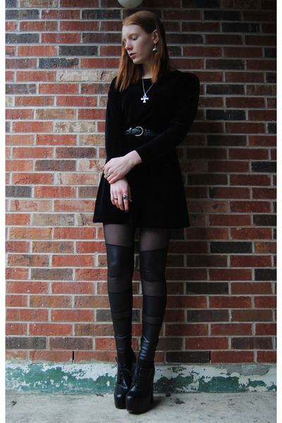 black tights - black thrifted dress - black thrifted belt - black heels