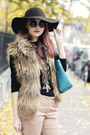 Stradivarius-hat-bb-dakota-vest