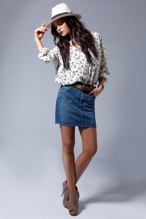 citizens of humanity skirt - Elizabeth & James shirt - Giuseppe Zanotti shoes -
