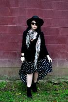 black fall heels H&M boots - black thrifted hat - black H&M shirt