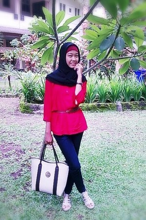 brown hand bag bag - blouse - wedges