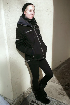 black bearpaw boots - black Vixxsin coat - black Lovesick jeans - black hat