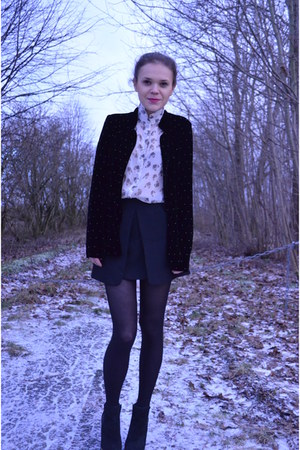 black River Island boots - black Zara blazer - beige cat print Topshop shirt