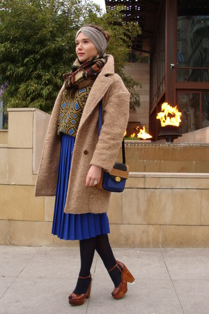 blue pleated skirt Zara skirt - camel wool Zara coat