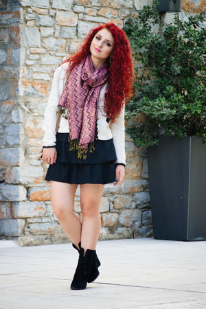 vintage scarf - Zara skirt