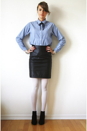 vintage skirt - H&M boots - Target tights - chambray vintage blouse