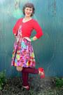 Red-xhilaration-sunglasses-light-purple-strapless-aryn-k-dress