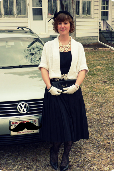 black Pierce hat - white modcloth necklace - white vintage sweater - black Marsh