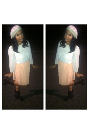 pleated skirt Forever21 skirt - boots - H&amp;M hat - Forever21 blouse