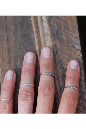 knuckle rings reborn ring