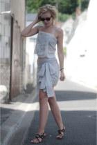 periwinkle Zara top - black rayban wayfarer ray-ban sunglasses