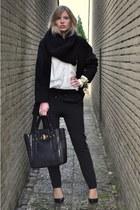 gold H&M ring - black oversized big Zara coat - black melie bianco bag