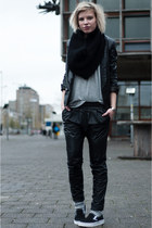 black Mango jacket - black Mango pants - black slip ons Vans sneakers