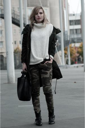 dark green Monki coat - black Sacha boots - off white H&M sweater