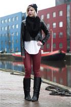 black Sacha boots - black Mitchell & Ness hat